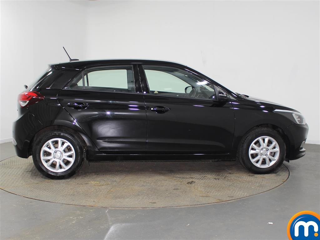 Hyundai I20 SE Manual Petrol Hatchback - Stock Number (942205) - Drivers side