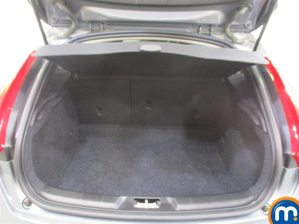 Volvo V40 Inscription Automatic Diesel Hatchback - Stock Number (948103) - 1st supplementary image