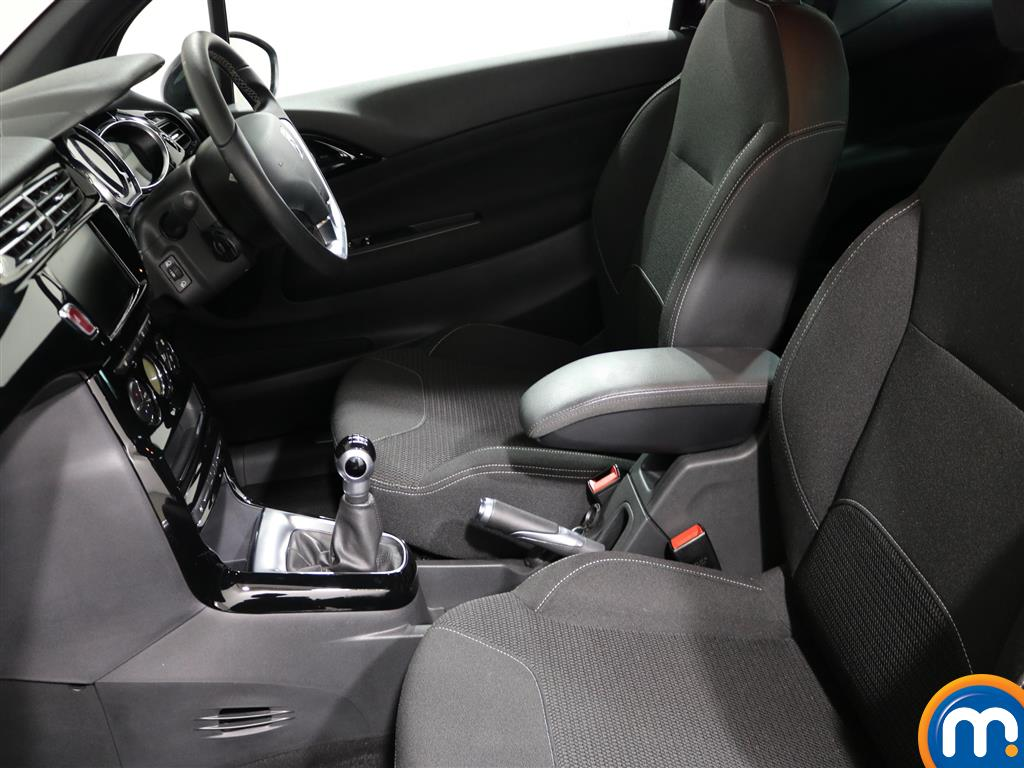 DS Ds 3 Hatchback 1.2 Puretech 82 Connected Chic 3Dr