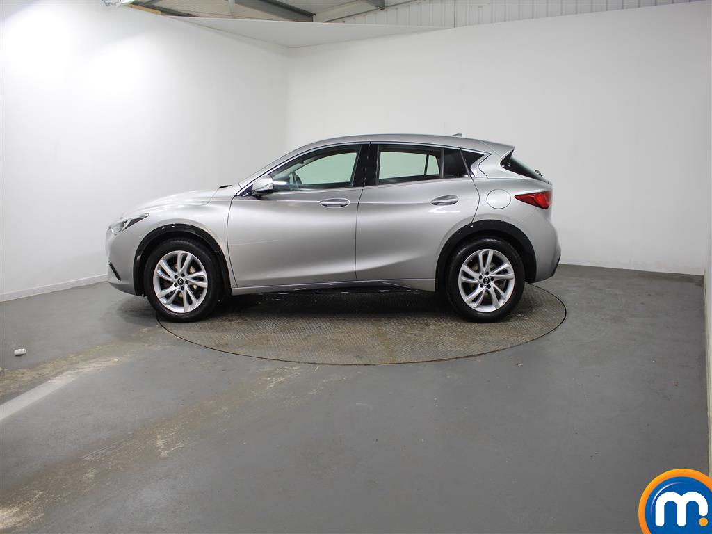 Infiniti Q30 Diesel Hatchback 1.5D Se 5Dr [Business Pack]