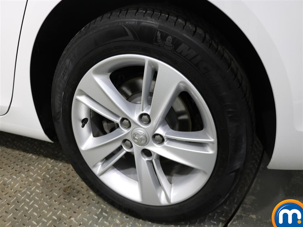 Vauxhall Insignia Diesel Grand Sport 1.6 Turbo D Ecotec [136] Sri Nav 5Dr