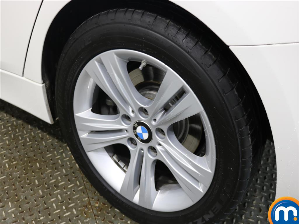 BMW 3 Series Sport Manual Petrol Saloon - Stock Number (967562) - 5th supplementary image