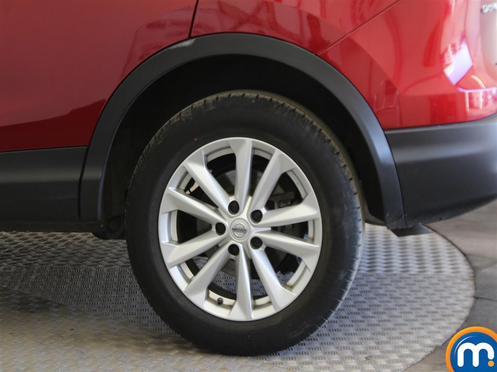 Nissan Qashqai Acenta Manual Diesel Hatchback - Stock Number (965048) - Drivers side