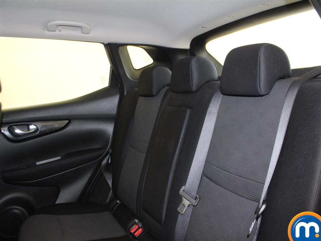 Nissan Qashqai Acenta Manual Diesel Hatchback - Stock Number (965048) - 1st supplementary image