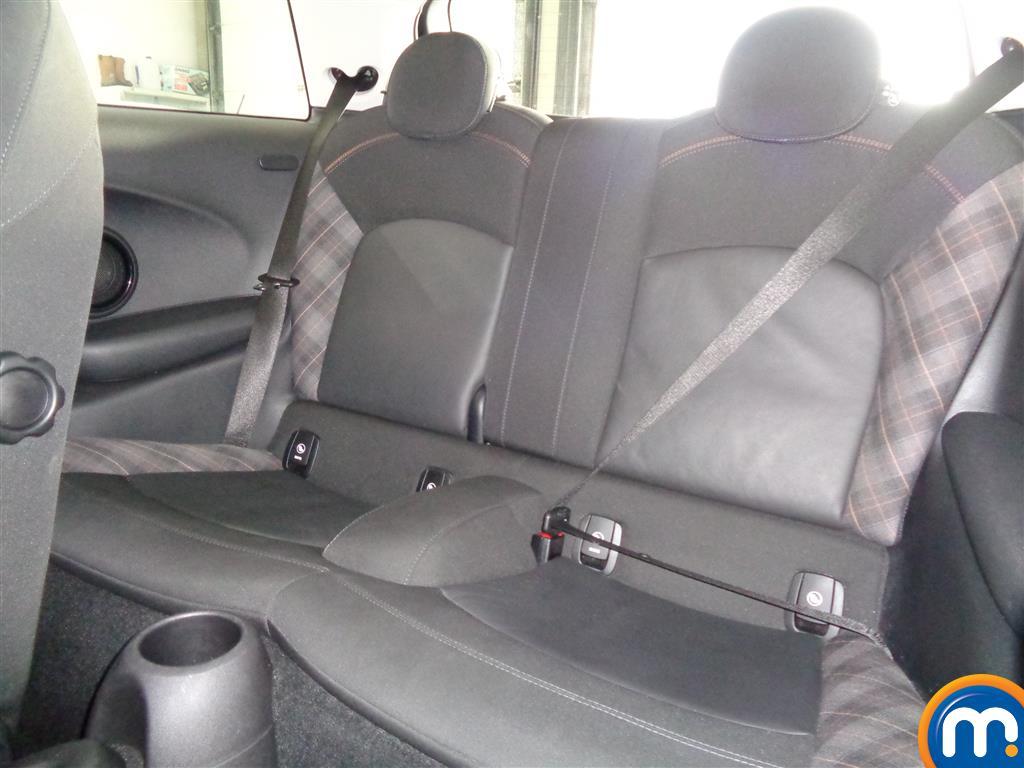 Mini Hatchback Cooper Seven Manual Petrol Hatchback - Stock Number (965904) - 5th supplementary image