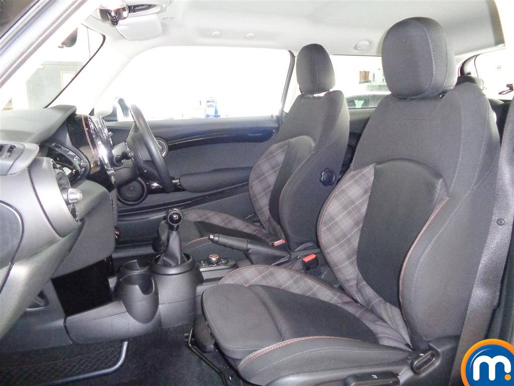 Mini Hatchback Cooper Seven Manual Petrol Hatchback - Stock Number (965904) - 6th supplementary image