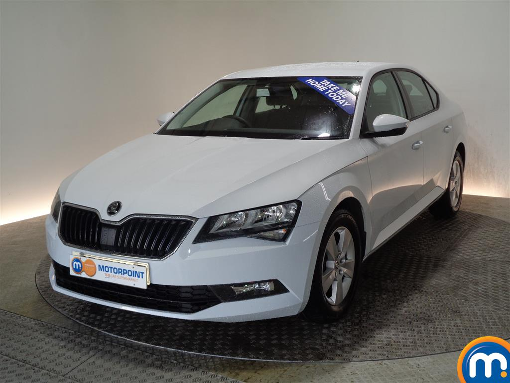 Skoda Superb S Manual Petrol Hatchback - Stock Number (968449) - Passenger side front corner