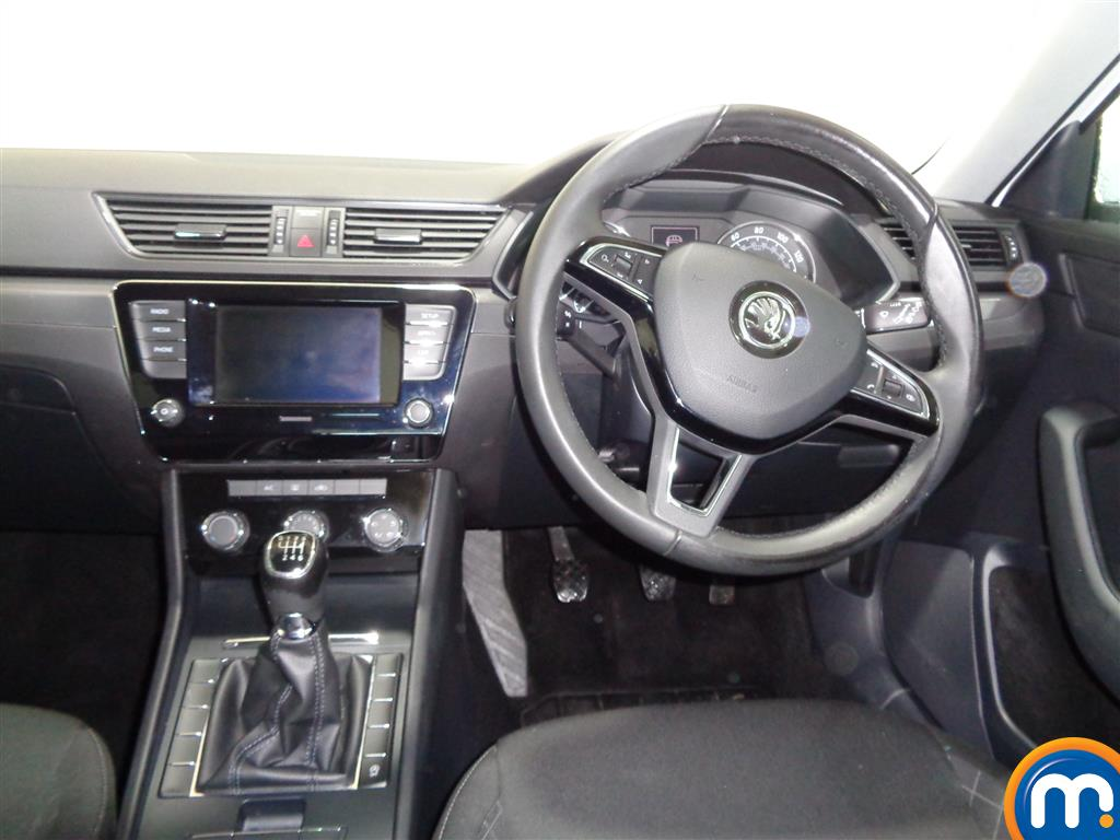 Skoda Superb S Manual Petrol Hatchback - Stock Number (968449) - 4th supplementary image