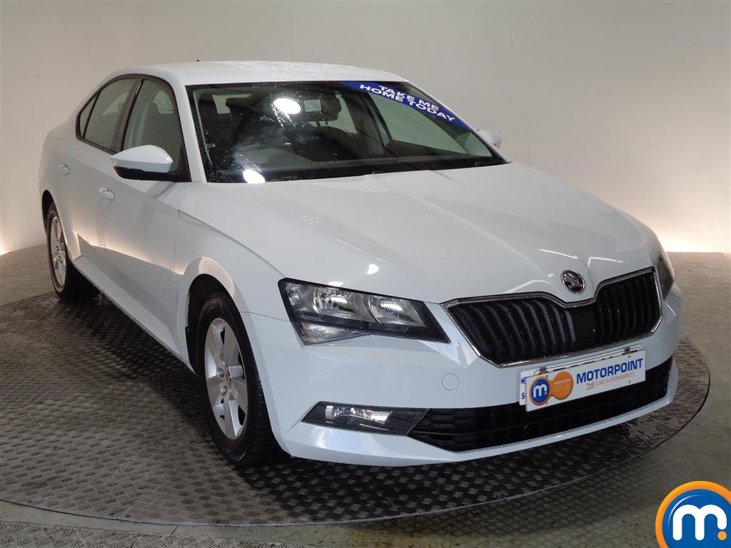 Skoda Superb S Manual Petrol Hatchback - Stock Number (968449) - Drivers side front corner