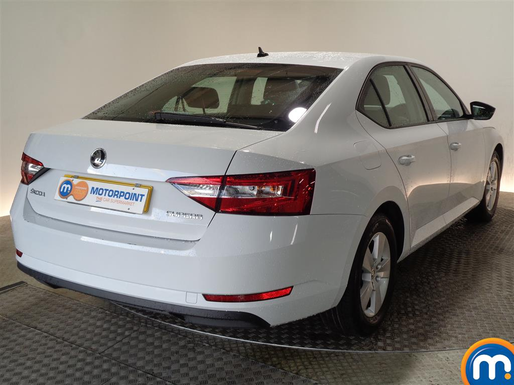 Skoda Superb S Manual Petrol Hatchback - Stock Number (968449) - Drivers side rear corner