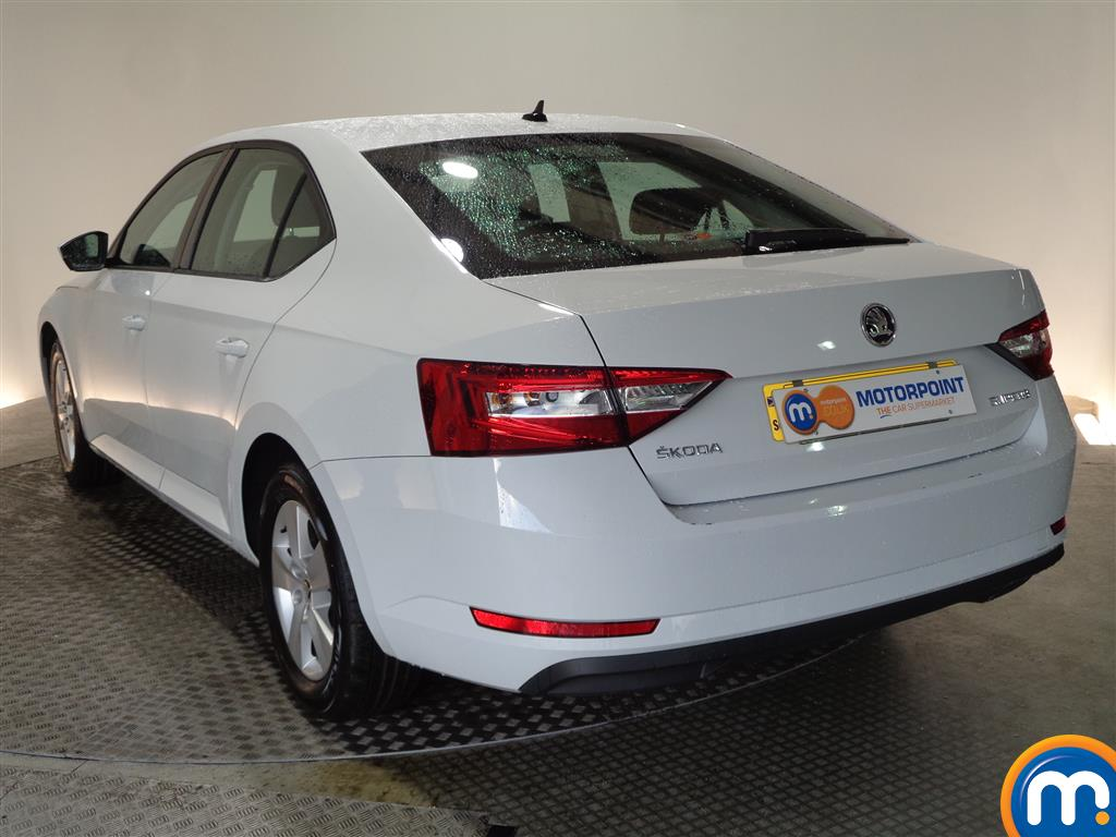 Skoda Superb S Manual Petrol Hatchback - Stock Number (968449) - Passenger side rear corner