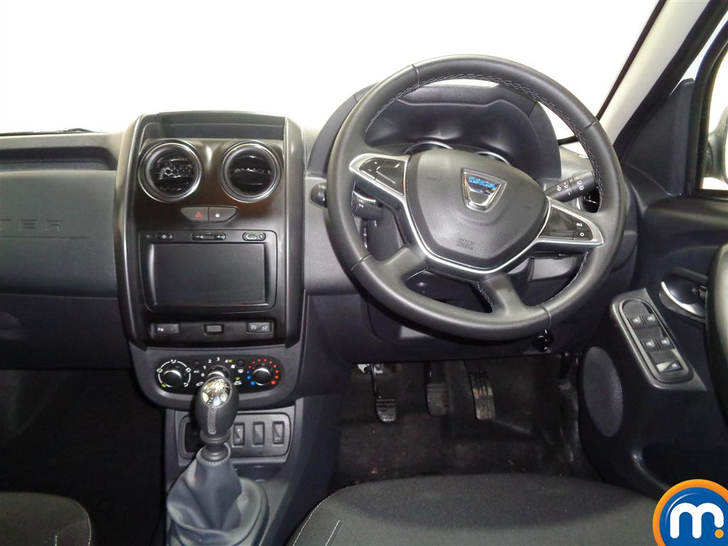 Dacia Duster Nav-Plus Manual Diesel Crossover - Stock Number (962298) - 4th supplementary image