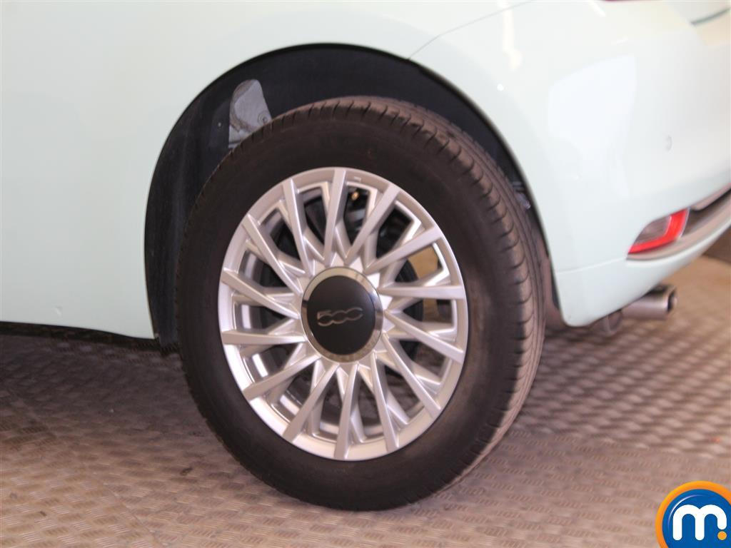 Fiat 500 Lounge Manual Petrol Hatchback - Stock Number (966362) - Drivers side