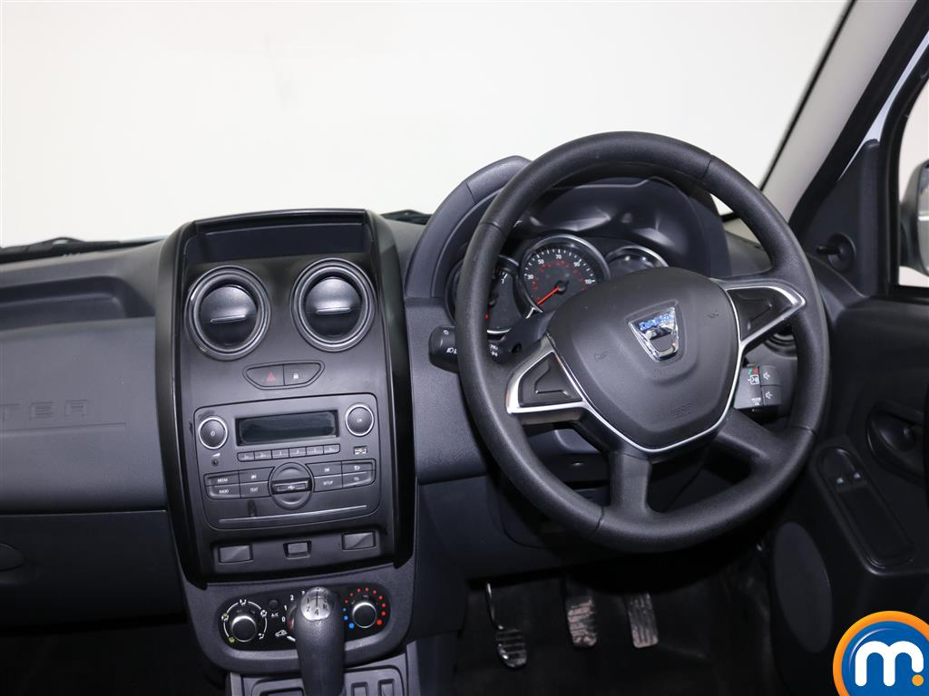Dacia Duster AIR Manual Petrol Crossover - Stock Number (967337) - 2nd supplementary image