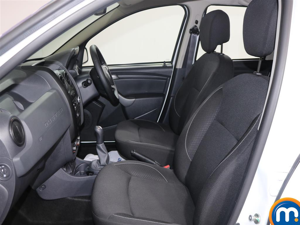 Dacia Duster AIR Manual Petrol Crossover - Stock Number (967337) - 3rd supplementary image