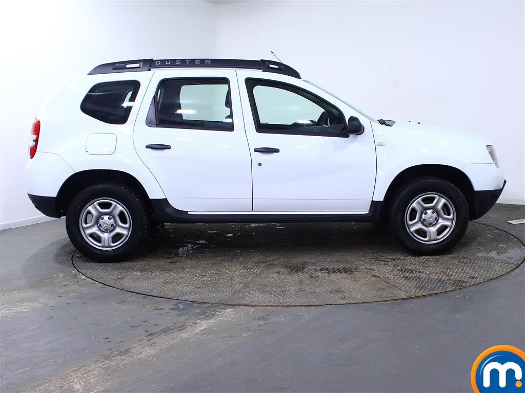 Dacia Duster AIR Manual Petrol Crossover - Stock Number (967337) - Drivers side