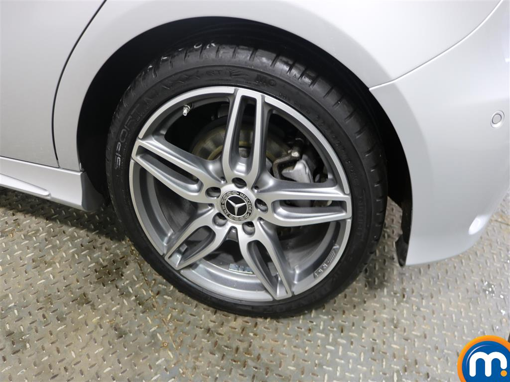 Mercedes-Benz A Class Amg Line Automatic Diesel Hatchback - Stock Number (968975) - 5th supplementary image