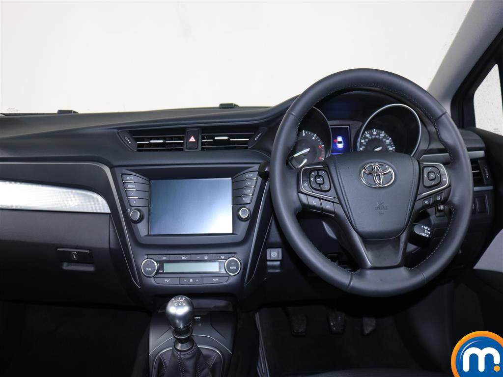 Toyota Avensis Business Edition Manual Diesel Saloon - Stock Number (966745) - 2nd supplementary image