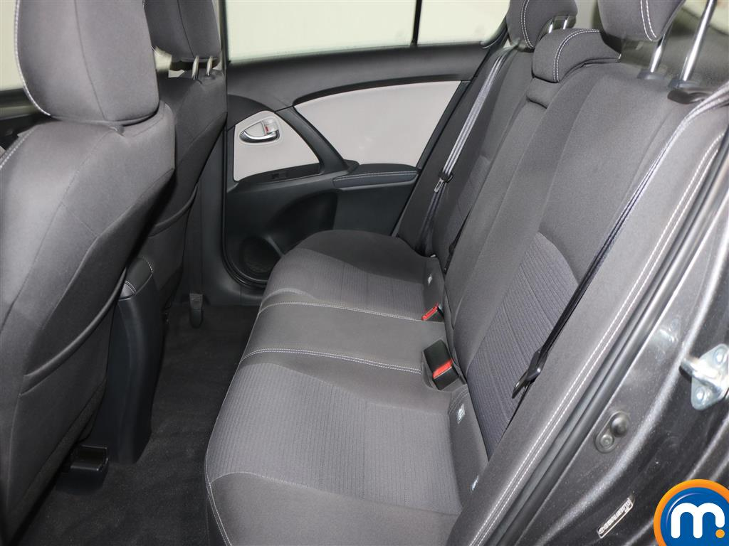 Toyota Avensis Business Edition Manual Diesel Saloon - Stock Number (966745) - 4th supplementary image