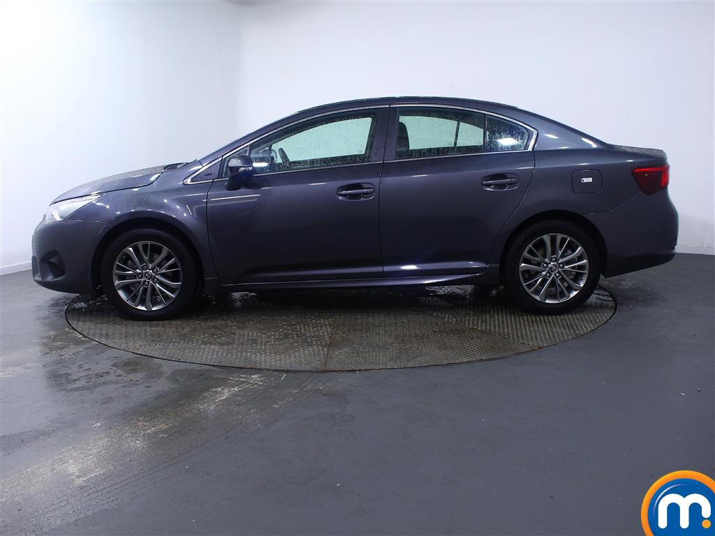 Toyota Avensis Business Edition Manual Diesel Saloon - Stock Number (966745) - Passenger side