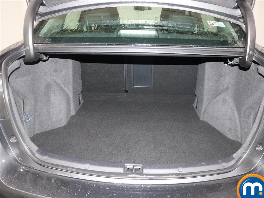 Toyota Avensis Business Edition Manual Diesel Saloon - Stock Number (966745) - 1st supplementary image