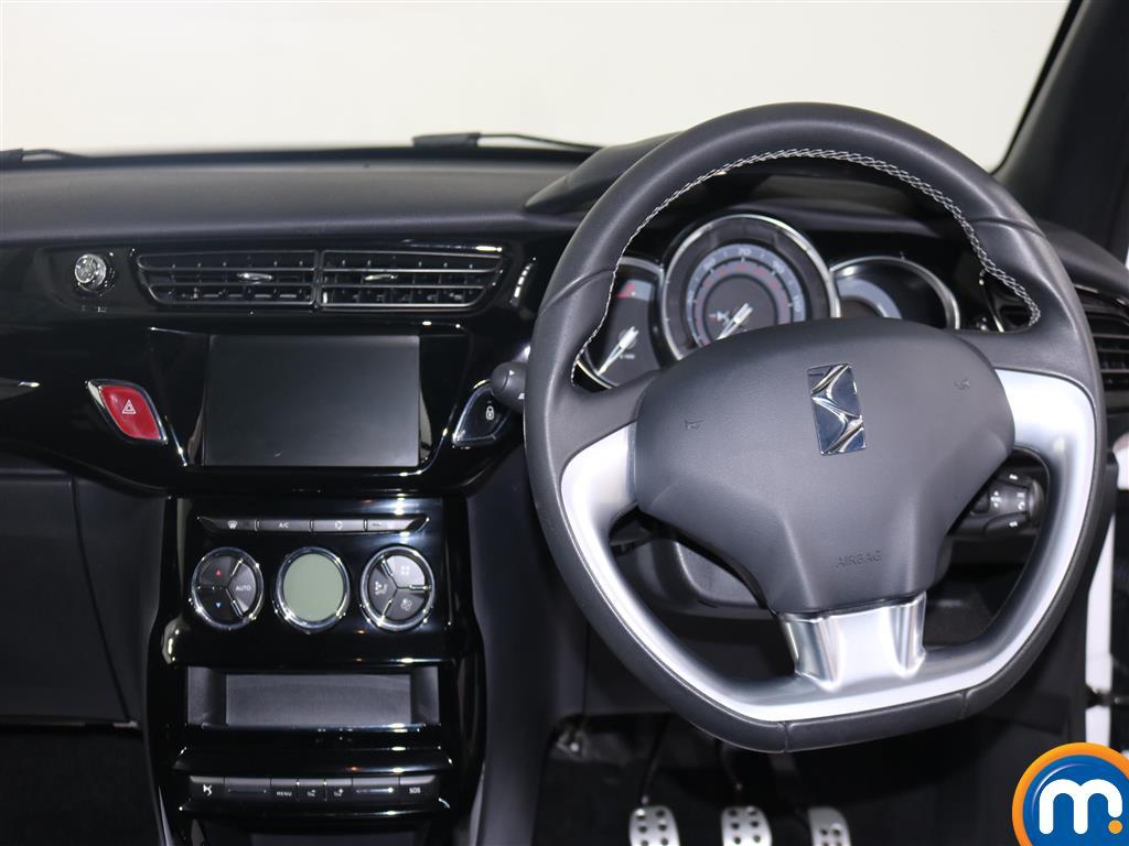 DS Ds 3 Elegance Manual Diesel Hatchback - Stock Number (953953) - 2nd supplementary image