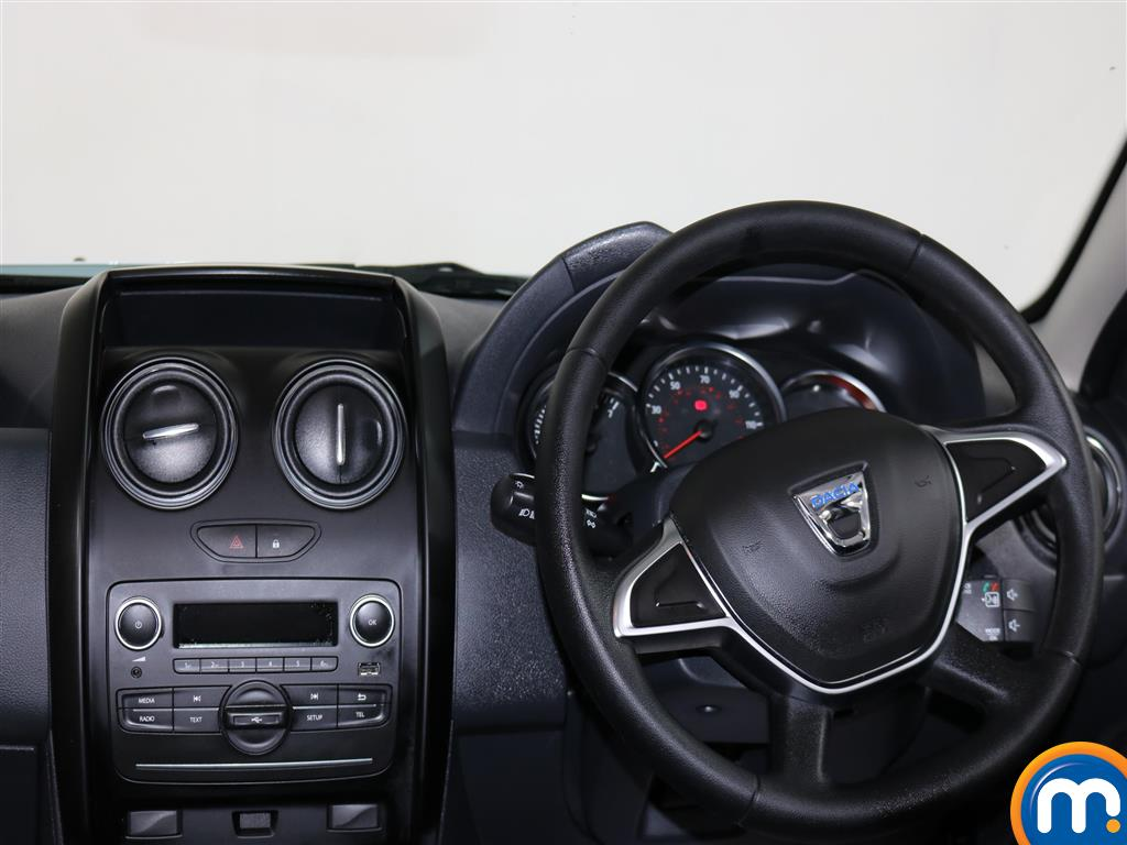 Dacia Duster AIR Manual Petrol Crossover - Stock Number (971660) - 4th supplementary image