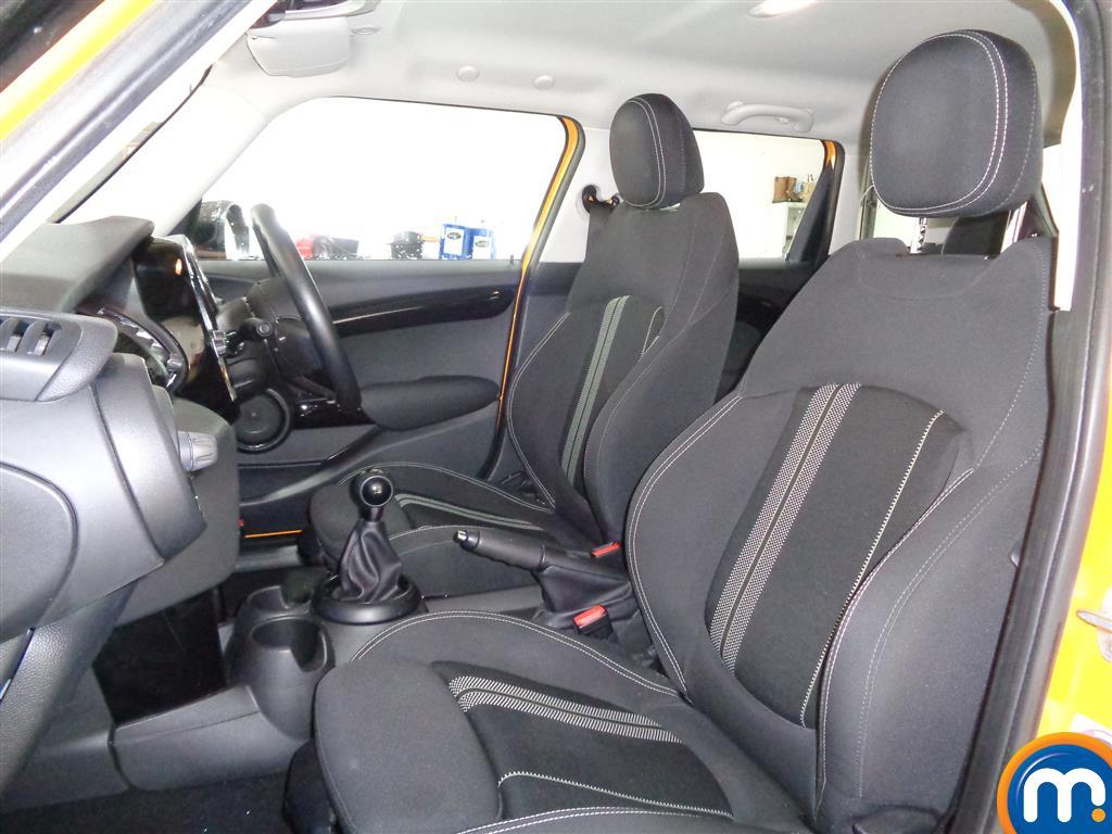 Mini Hatchback Cooper S Manual Diesel Hatchback - Stock Number (973056) - 6th supplementary image