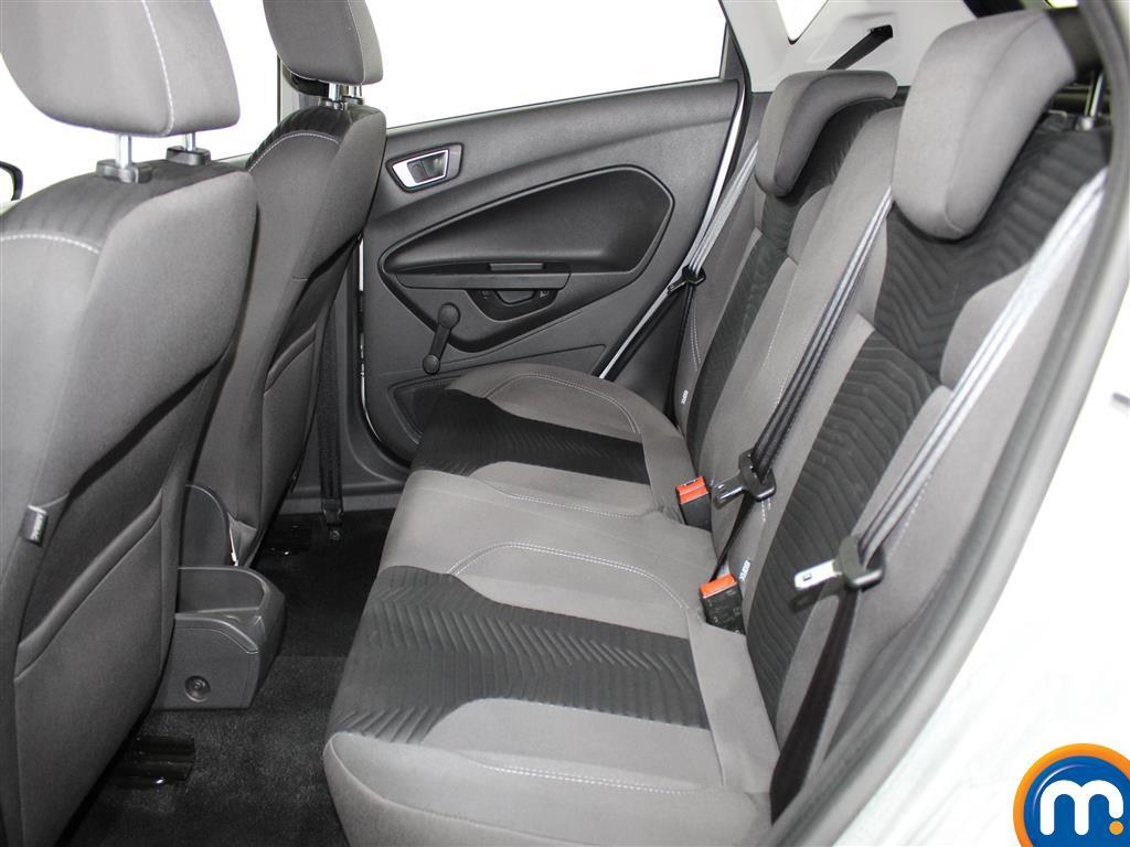 Ford Fiesta Zetec Manual Petrol Hatchback - Stock Number (971975) - 2nd supplementary image