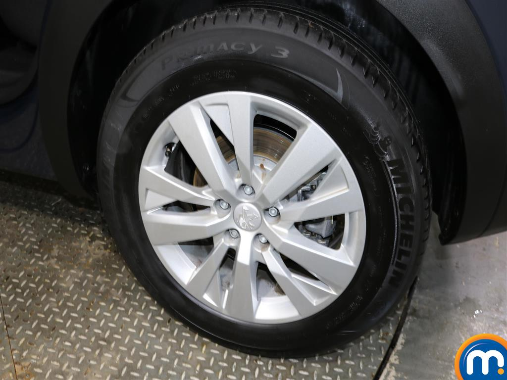 Peugeot 3008 Active Automatic Petrol Estate - Stock Number (974760) - 4th supplementary image