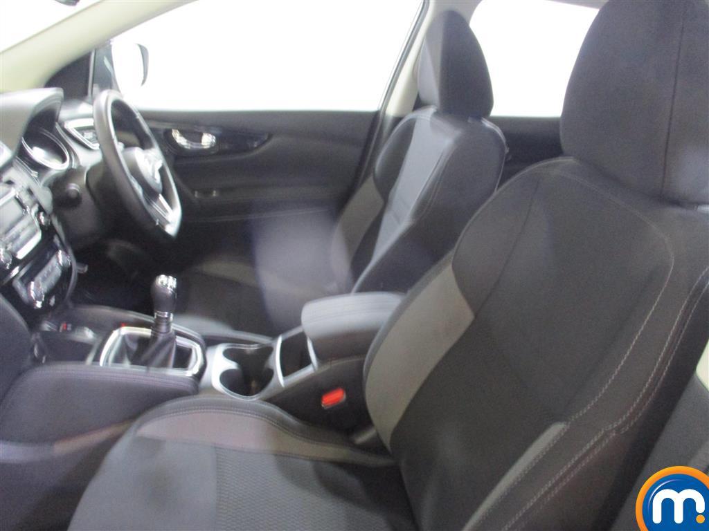 Nissan Qashqai Acenta Manual Petrol Hatchback - Stock Number (973653) - 3rd supplementary image