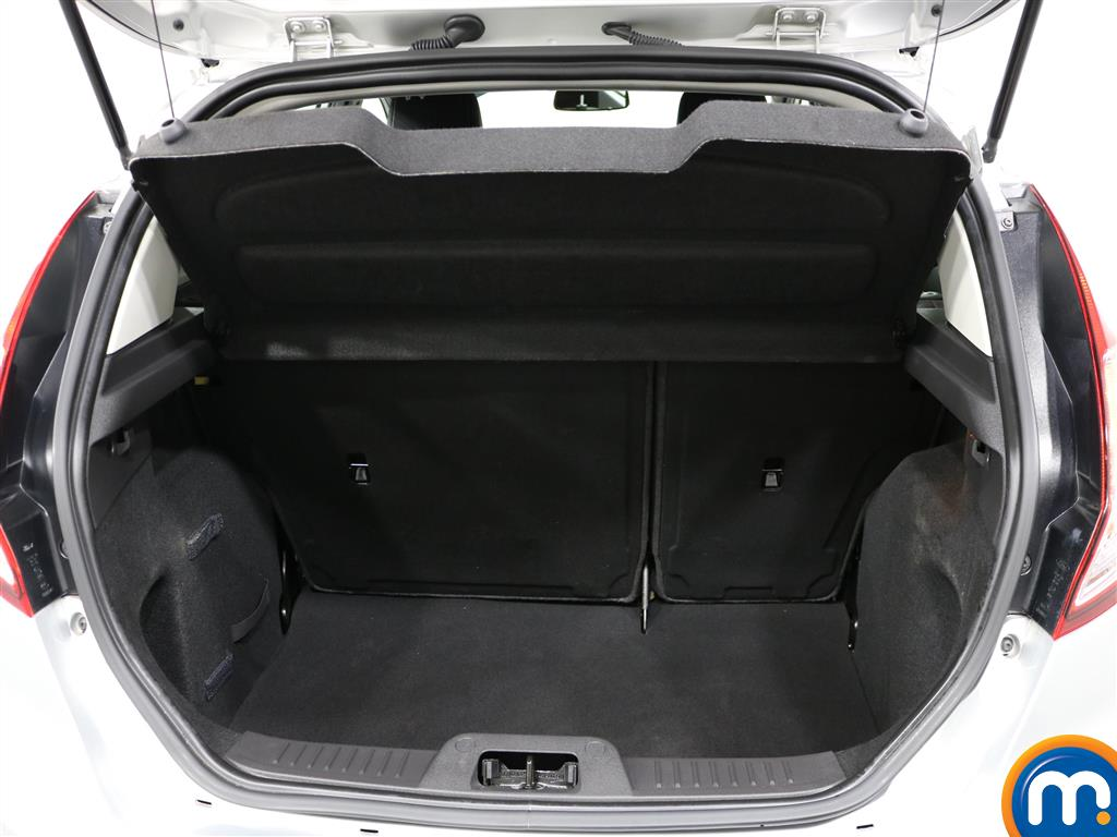 Ford Fiesta Zetec Manual Petrol Hatchback - Stock Number (977067) - 4th supplementary image