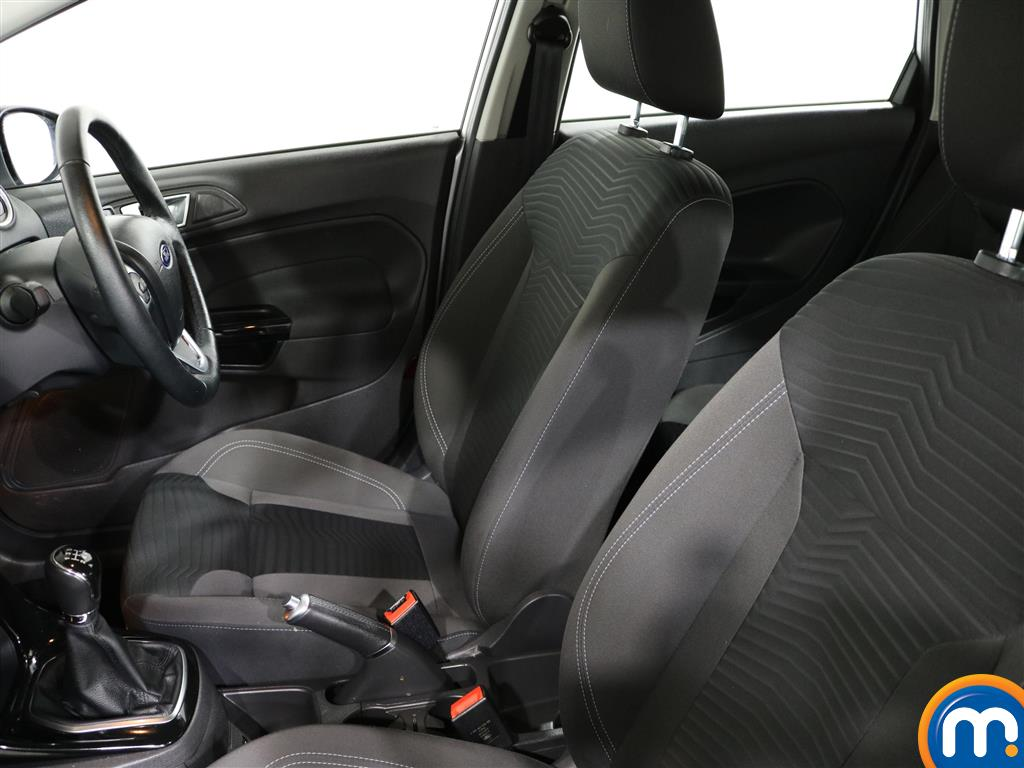 Ford Fiesta Zetec Manual Petrol Hatchback - Stock Number (977067) - 1st supplementary image