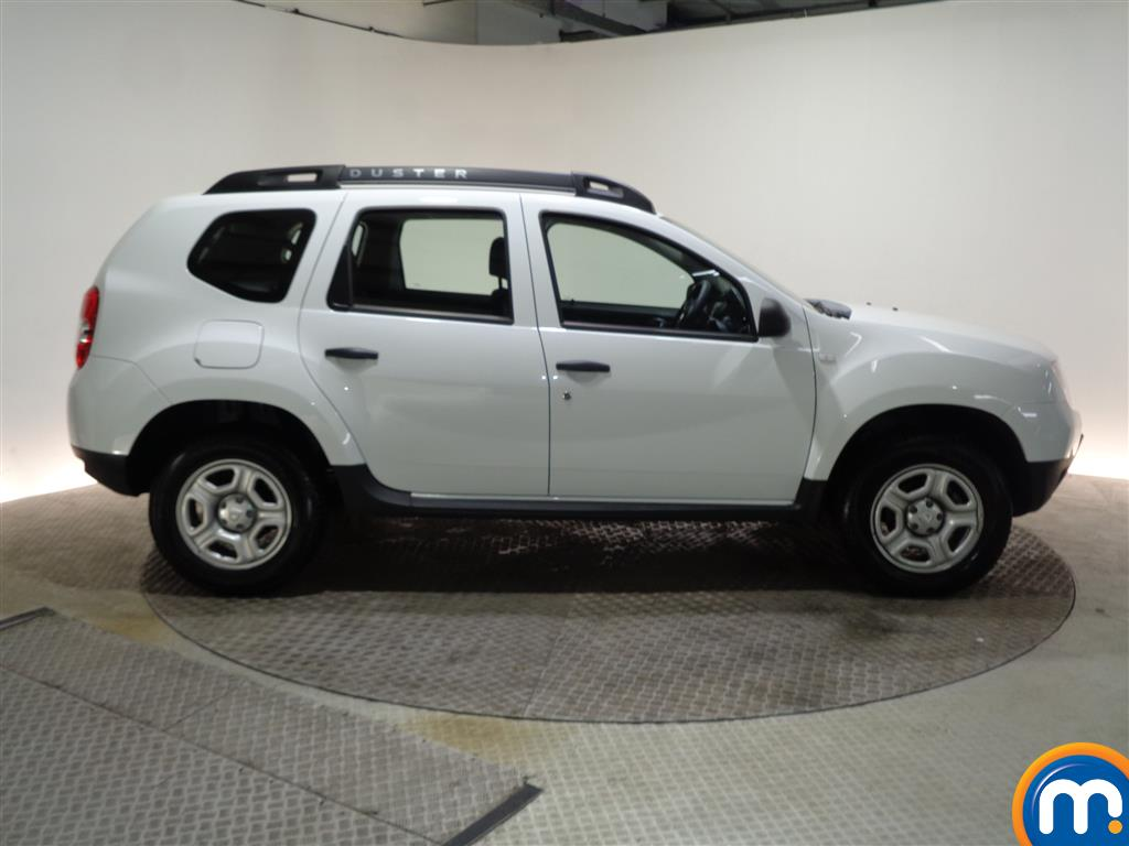 Dacia Duster AIR Manual Petrol Crossover - Stock Number (960409) - Passenger side