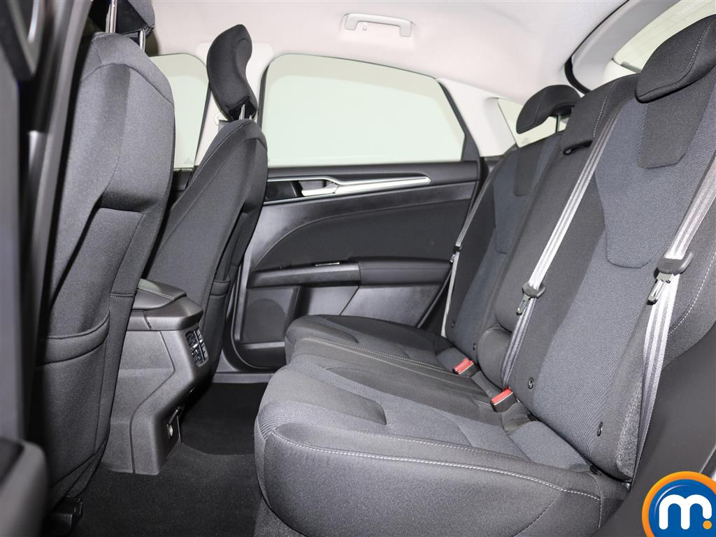 Ford Mondeo Titanium Manual Petrol Hatchback - Stock Number (975860) - 3rd supplementary image