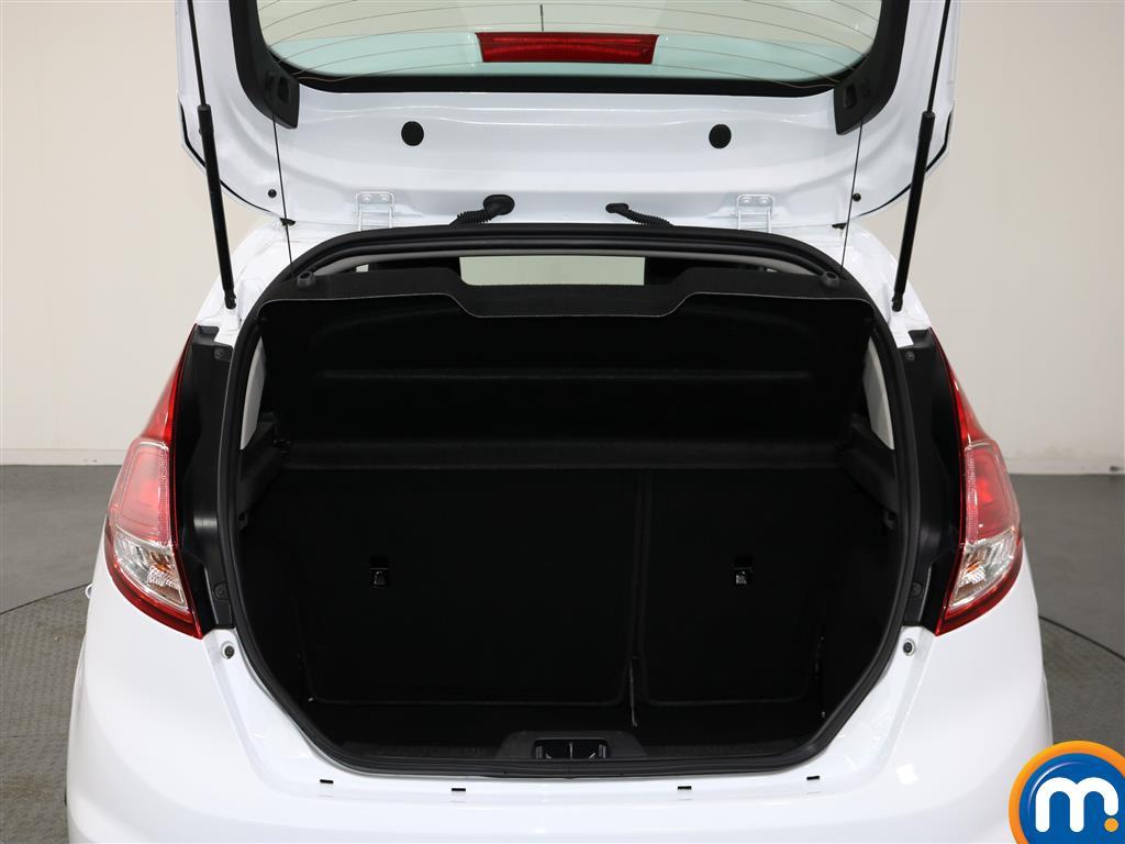 Ford Fiesta Zetec Manual Petrol Hatchback - Stock Number (979518) - 1st supplementary image