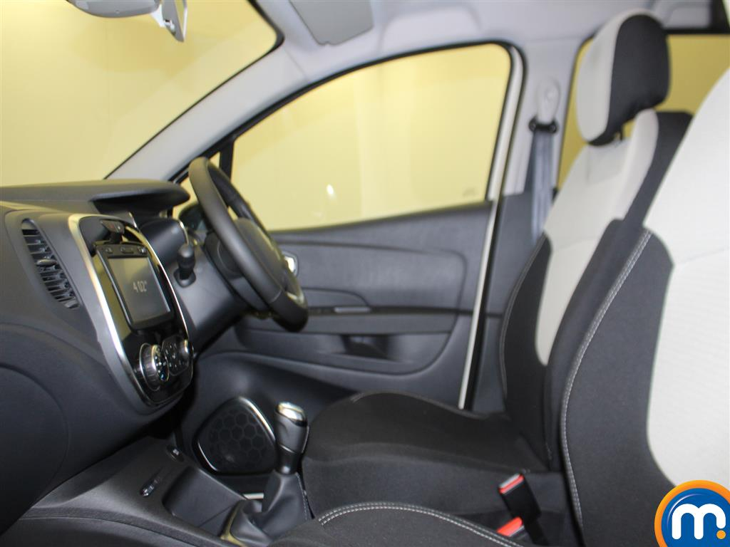 Renault Captur Iconic Manual Petrol Hatchback - Stock Number (966582) - 3rd supplementary image