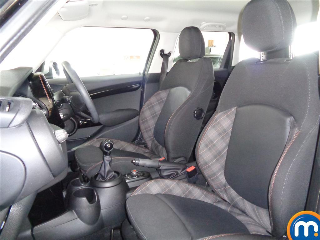 Mini Hatchback Cooper Seven Manual Petrol Hatchback - Stock Number (978081) - 5th supplementary image