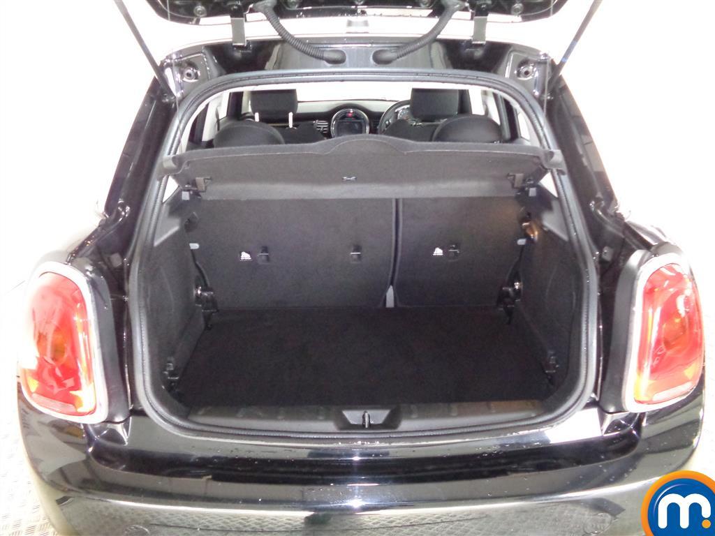 Mini Hatchback Cooper Seven Manual Petrol Hatchback - Stock Number (978081) - 8th supplementary image