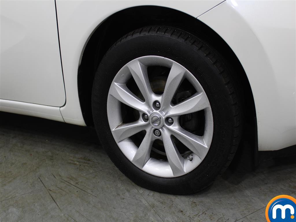 Nissan Note Tekna Manual Diesel Hatchback - Stock Number (971481) - 1st supplementary image