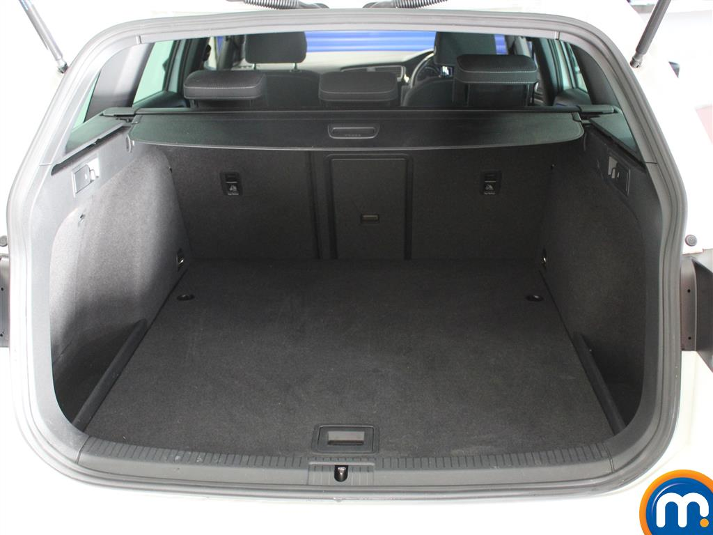 Volkswagen Golf R Automatic Petrol Estate - Stock Number (980479) - 4th supplementary image