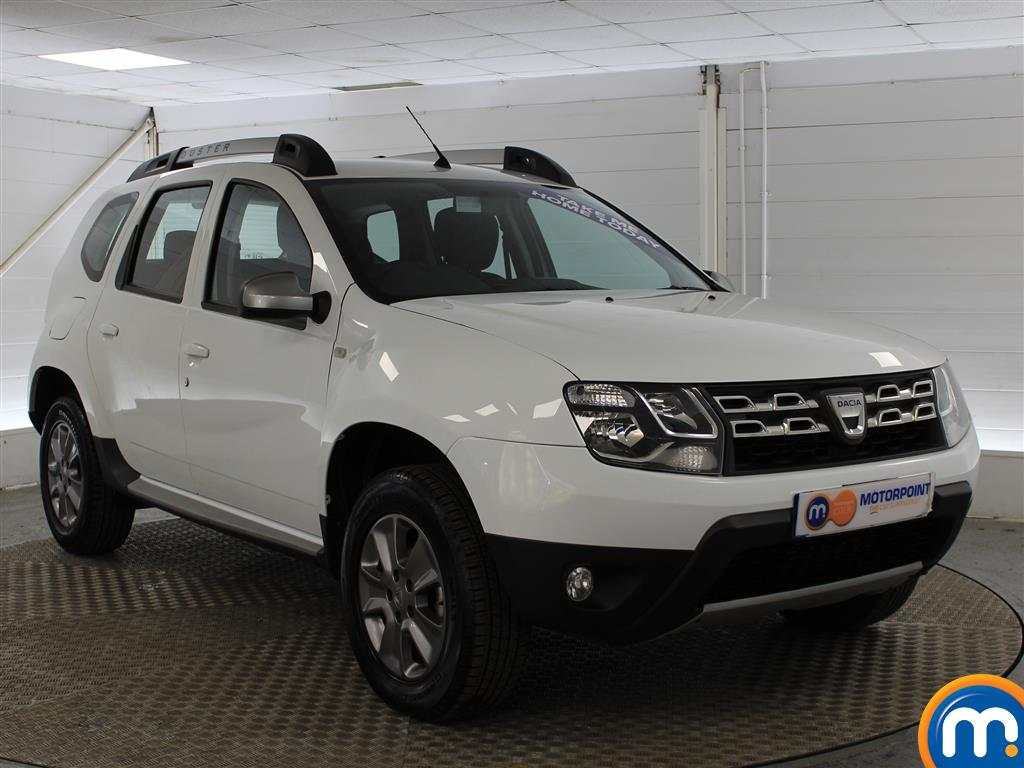 Dacia Duster Laureate Automatic Diesel Crossover - Stock Number (987273) - Drivers side front corner