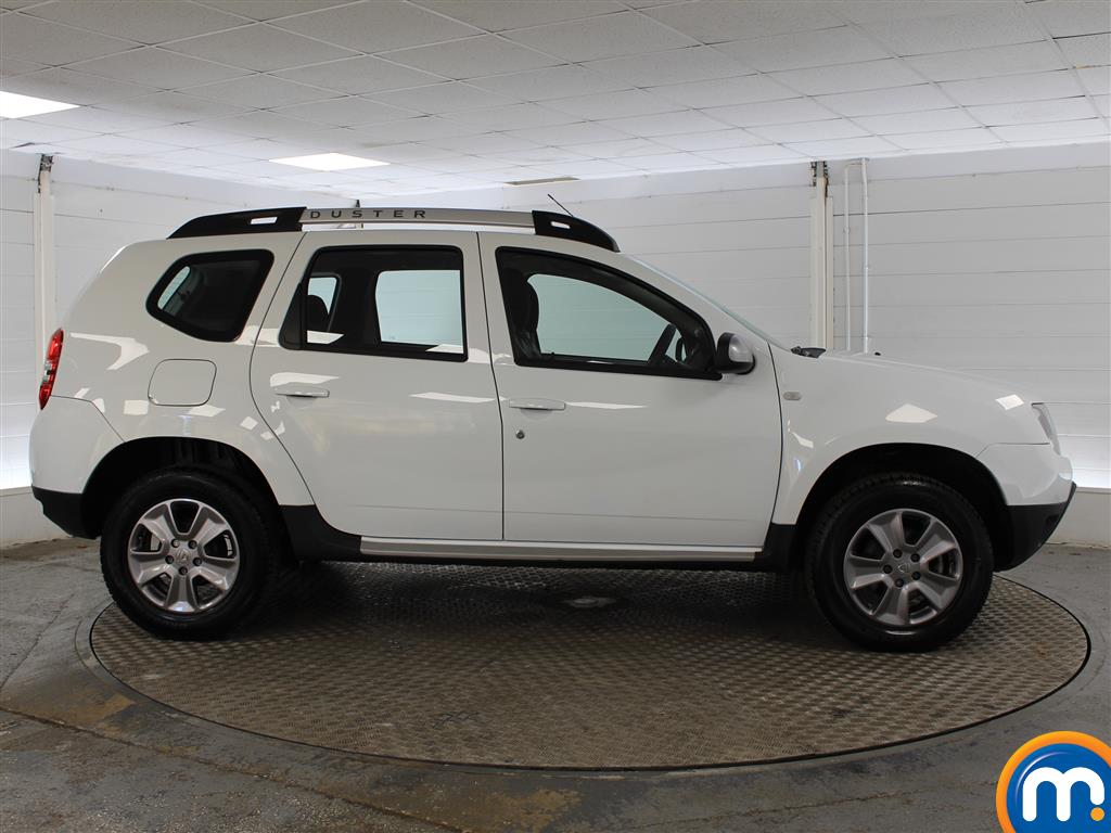 Dacia Duster Laureate Automatic Diesel Crossover - Stock Number (987273) - Drivers side