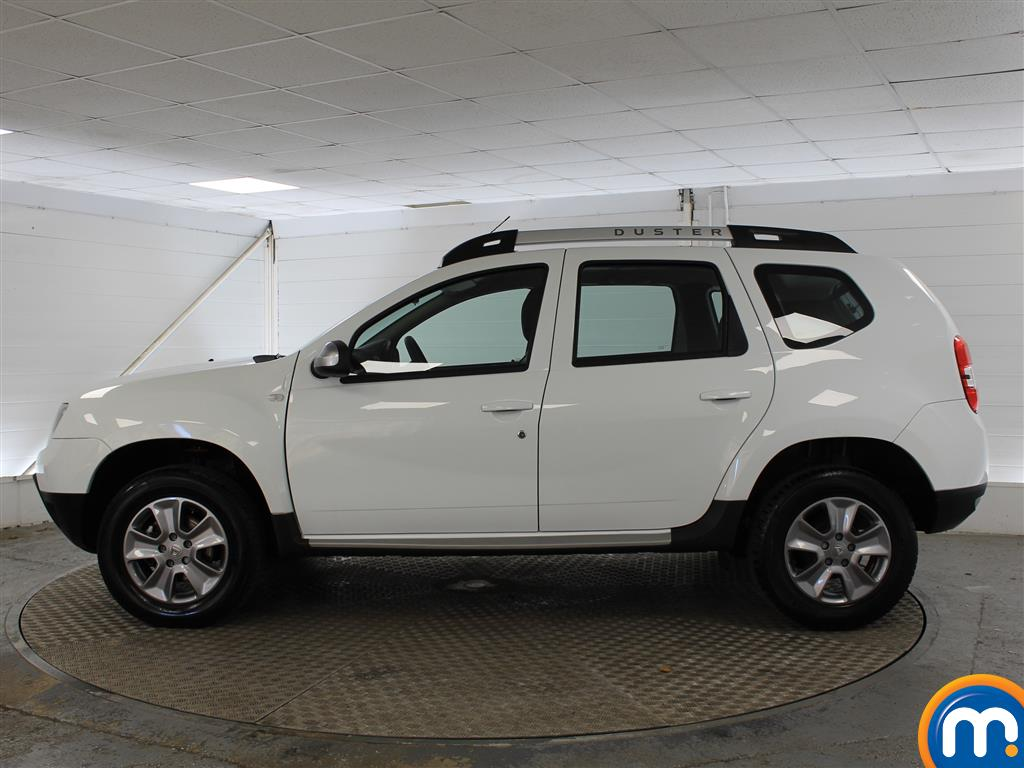 Dacia Duster Laureate Automatic Diesel Crossover - Stock Number (987273) - Passenger side