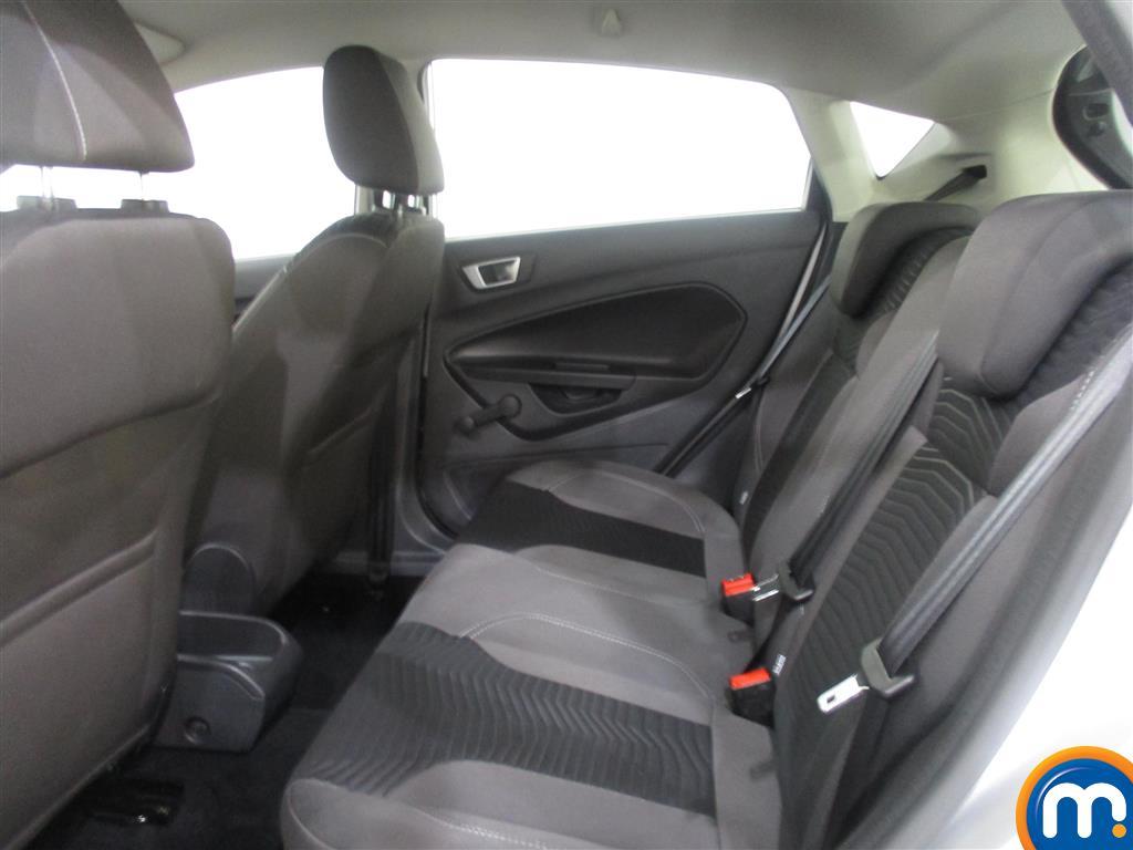 Ford Fiesta Zetec Manual Petrol Hatchback - Stock Number (986224) - 2nd supplementary image