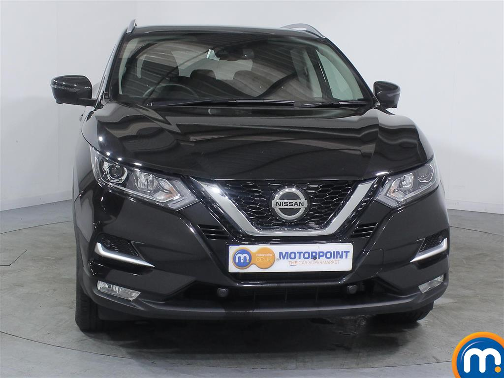 Nissan Qashqai N-Connecta Manual Petrol Hatchback - Stock Number (985869) - Front bumper