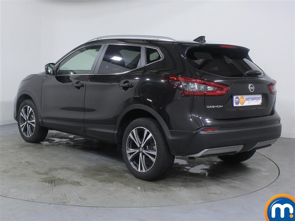 Nissan Qashqai N-Connecta Manual Petrol Hatchback - Stock Number (985869) - Passenger side rear corner