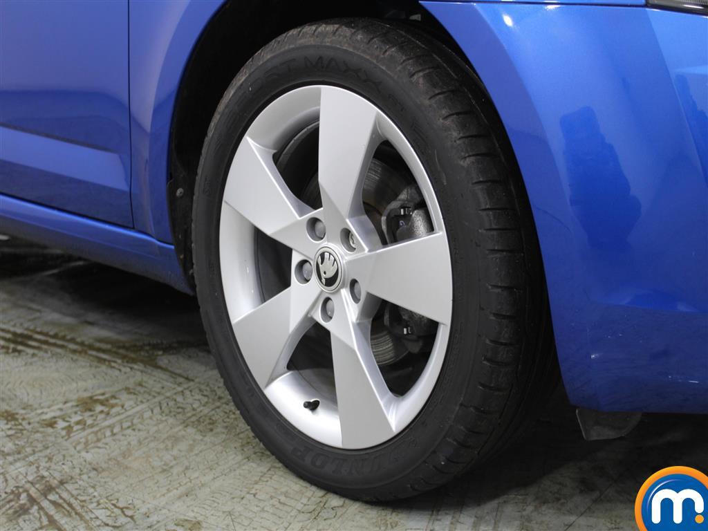 Skoda Octavia Se Sport Manual Petrol Hatchback - Stock Number (988667) - 1st supplementary image