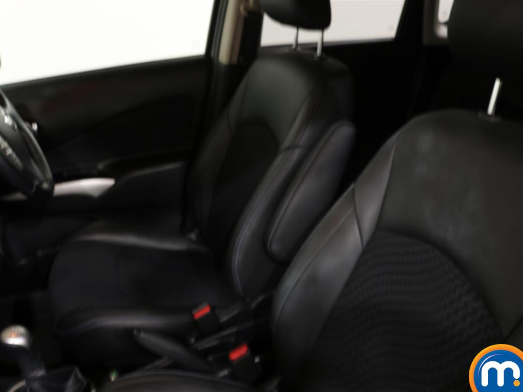 Nissan Note Tekna Manual Diesel Hatchback - Stock Number (951664) - 1st supplementary image