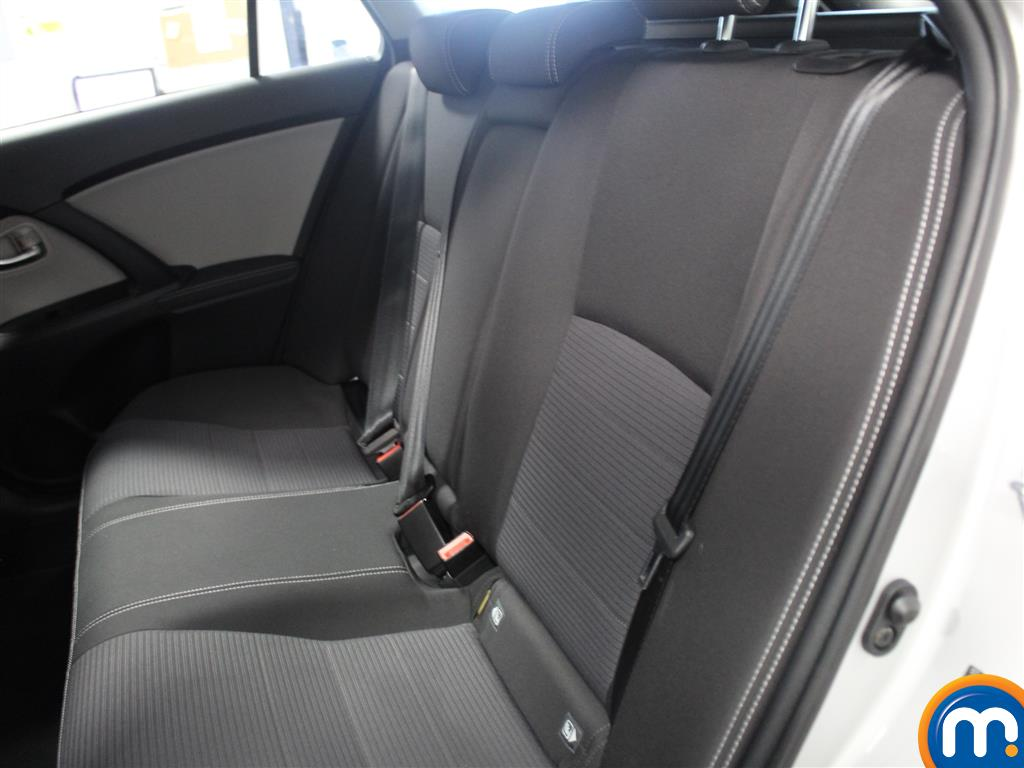 Toyota Avensis Business Edition Manual Diesel Estate - Stock Number (993296) - 5th supplementary image